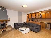 obývací pokoj - chalupa k pronájmu Moravský Žižkov
