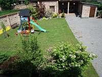 zahrada + kolárna