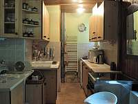 Kuchyň - chalupa k pronájmu Řicmanice