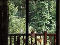 Průhled a vstup na terasu z obývacího pokoje - Řicmanice
