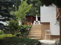 Zahradní terasa - pohled ze zahrady - pronájem chalupy Řicmanice