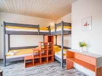 6 lůžkový pokoj