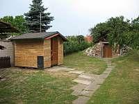 Zahradní domek-ložnice pro dva se smart TV - Moravská Nová Ves