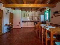Kuchyně - chalupa k pronajmutí Přítluky