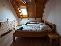 Pokoj v podkroví - Přítluky