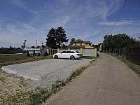 Apartmány na kolonádě Lednice - parkoviště - k pronajmutí