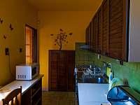 Kuchyně - pronájem rekreačního domu Klobouky u Brna