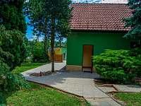 Přístup ze zahrady - pronájem rekreačního domu Klobouky u Brna