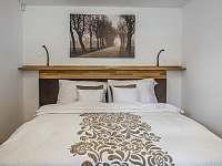 AP3 - ložnice s boxspring postelí - Kurdějov