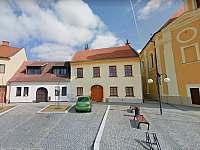 pohled na dům z náměstí - apartmán ubytování Veselí nad Moravou