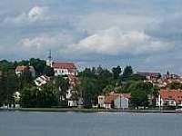 Jedovnice s rybníkem Olšovcem