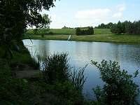 pohled na rybník se skluzavkou - Ruprechtov