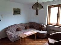 obývací pokoj - chalupa k pronájmu Chudčice