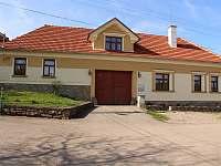 ubytování s bazéném Jižní Morava