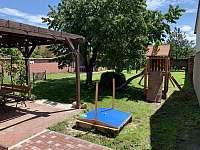 záhrada - Dolní Dunajovice