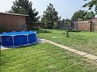 Záhrada-bazén - rekreační dům k pronájmu Dolní Dunajovice