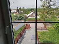 Pohled z patra domku - pronájem chaty Hlohovec