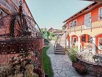 Pohled na dvorek - Křepice