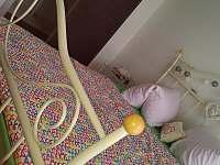 druhá ložnice - dvoulůžko + šatna - pronájem rekreačního domu Těšetice u Znojma
