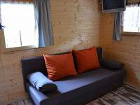 rozkladací gauč pro dva