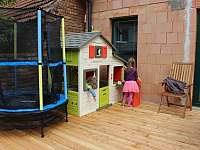 KONEČNĚ KLID! Aneb - děti si hrají....víme, co děti chtějí;) - apartmán ubytování Zaječí