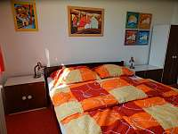 Pokoj s manželskou postelí - chalupa ubytování Rudice