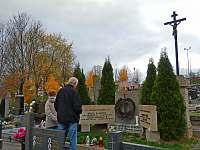Pomník letcům na hřbitově - Rudice