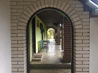 Pohled na verandu - chalupa ubytování Suchý