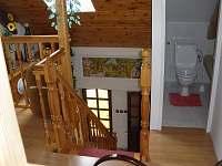 WC v prvním patře - Suchý