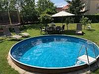 bazén s trampolínou - Dolní Dunajovice