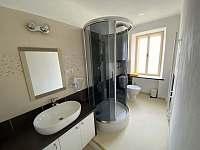 apartmán-koupelna - Jevišovice