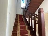 schodiště k apartmánu - pronájem vily Jevišovice