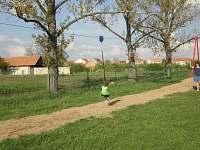 Dětské hřiště v obci - nedaleko chalupy