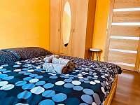 Žlutá ložnice - Dolní Dunajovice