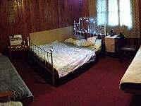 Ložnice v horním patře - chata ubytování Ochoz u Brna