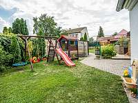 dětské hřiště na zahradě - pronájem apartmánu Dolní Dunajovice