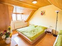 Malovaný dvůr - pokoj v patře/větší - Dolní Dunajovice