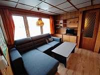 Obývací pokoj - chata k pronajmutí Lančov