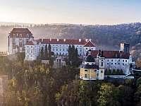Vranovský zámek - Štítary