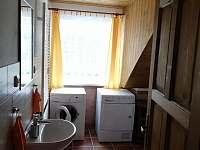 1.apartmán- koupelna se sušičkou a pračkou - Bělčovice