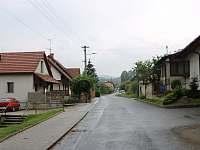 Příjezdová cesta - chalupa ubytování Buchlovice