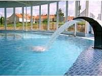 krytý bazén Nová Ves ( 4 km od chaty)