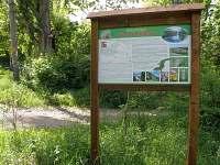Přírodní park střední Pojihlaví - informační cedule před chalupou