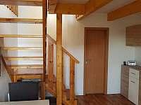 Schody apartmán - k pronájmu Sedlec