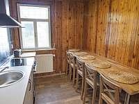 Kuchyně v prvním patře - vila k pronajmutí Rajnochovice
