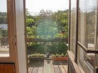 Výhled z balkónu v prvním patře - pronájem vily Rajnochovice
