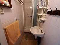 Apartmán 1 - koupelna - chalupa k pronájmu Kochov