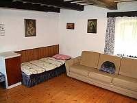 Obývací ložnice - chalupa ubytování Šerkovice