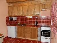 Kuchyňská linka se spotřebiči a elektrickou troubou