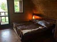 Velká ložnice - chata k pronajmutí Brno - Bystrc